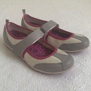 Vionic Ailie Mary Jane Walking Shoes